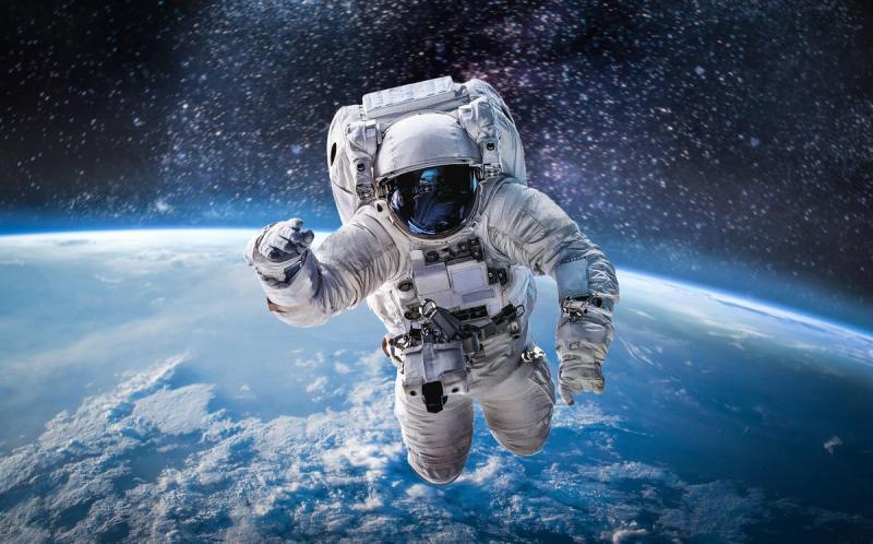 Estée Lauder dans l'espace